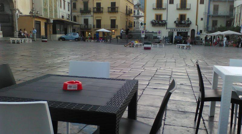 Piazza Carini